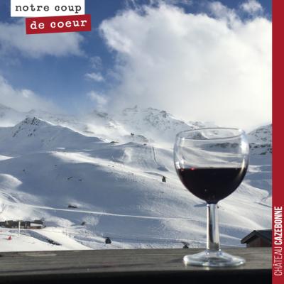 Quand un client nous envoie la photo d'un verre de Cazebonne qu'il savoure à la montagne...
