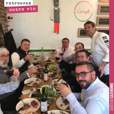 Les maires de France apprécient la cuvée Entre amis de Cazebonne. Au restaurant de Chef Damien, P...